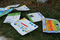 """Під час """"Інклюзивного марафону"""" в районі ВПЗ малеча вчилася спілкуватися жестами та малювала доступність"""