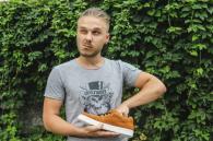 Винничанин Антон Долинский создает кроссовки из украинских материалов
