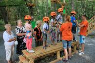 Діти-сироти та хлопчики й дівчатка з опікунських родин побували на мотузковому атракціоні