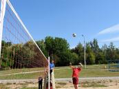 В парку Дружби народів відбулись змагання з пляжного волейболу серед родин