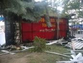 На проспекті Юності рятувальники ліквідували пожежу у квітковому магазині