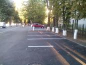 Поблизу 26-ї школи заасфальтовано значну ділянку тротуару, оновлено велосипедну розмітку та створено парковку
