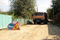 На вулицях Молодіжна, Сосюри та провулках Д.Нечая та Рилєєва триває будівництво мереж водогону