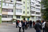 У 10-поверховому будинку по вул.Учительській повністю утеплюють фасад