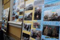У Вінниці до дня захисника Вітчизни зібрали унікальну експозицію світлин, авторами яких є бійці з передової
