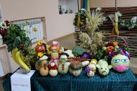 На святі урожаю в Терцентрі людям похилого віку подарували кошики з овочами