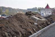 Біля музею-садиби М.Пирогова капітально ремонтують перехрестя та облаштовують парковку для туристів
