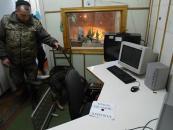 Ввечорі поліція, рятувальники та кінологи шукали вибухівку у приміщенні місцевого телеканалу