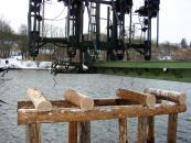 В селі Сутиски, що на Вінниччині, військові збудували міст через річку