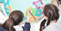 В центрі Вінниці «билися» крашанками, розмальовували велетенську писанку та робили селфі із «пасхальним» кроликом