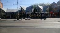 На тротуарі по вул. Соборній розпочали встановлювати антипаркувальні півсфери