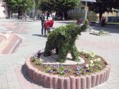 На Європейській площі «оселилось» зелене слоненя. Вінничан запрошують придумати йому ім'я та отримати приз