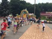 В Парку Дружби народів Центр підліткових клубів за місцем проживання  влаштували для дітей розваги та конкурси