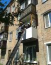 В Козятині рятувальники зняли з балкону другого поверху хлопчика