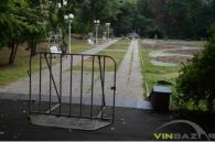"""В центральному парку на Алеї закоханих почали споруджувати """"міні-Вінницю"""""""