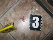 На Вінниччині затримали чоловіка та жінку, які обікрали магазин гаджетів