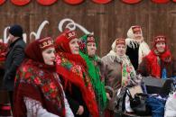 В Центральному парку лунали обрядові пісні від колективів з різних куточків регіону