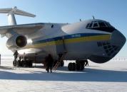 Вінницькі військові льотчики перевезли на острові Гренландія понад 340 тисяч літрів пального (фоторепортаж)
