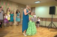 Олена і Дар'я Колос перемогли у номінації «Матуся та донька» на родинному балу «Весняні красуні»