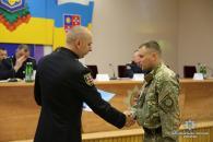 """Керівник поліції Вінниччини відзначив кращих бійців спецбатальйону """"Вінниця"""""""