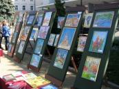 У Вінниці пройшов парад з нагоди 75-річчя Палацу дітей та юнацтва