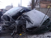 20 березня у Вінниці на вулиці Київській Рено Меган влетіло в дерево