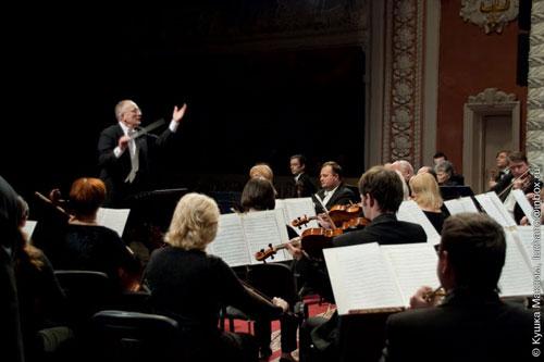 світлий спомин під величну музику Брамса