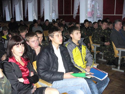 Студентам розповіли, що їх чекає в армії