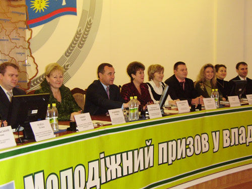 О. Домбровський закликав молодь у владу