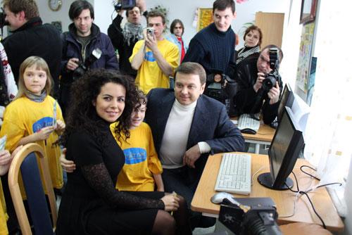 «УКРНЕТ» вместе с Потапом и Настей подарили компьютеры детям-сиротам
