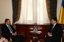 Міністр закордонних справ України П.Порошенко зустрівся з Віце-прем'єр-міністром, міністром закордонних справ Ізраїлю А.Ліберманом