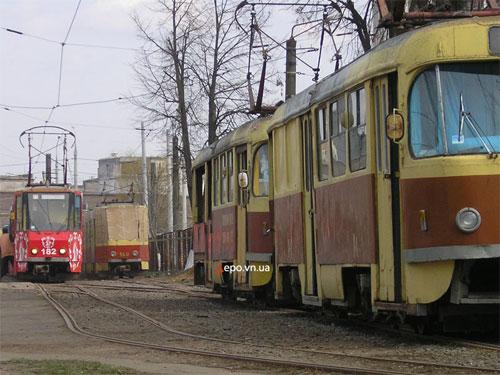 Для приема швейцарских вагонов приходится ставить на консервацию винницкие вагоны (Т4, КТ4, Gotha)