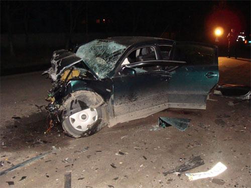 Водій автомобіля SKODA OCTAVIA, виїхав на смугу зустрічного руху та скоїв зіткнення з автомобілем VOLKSWAGEN PASSAT