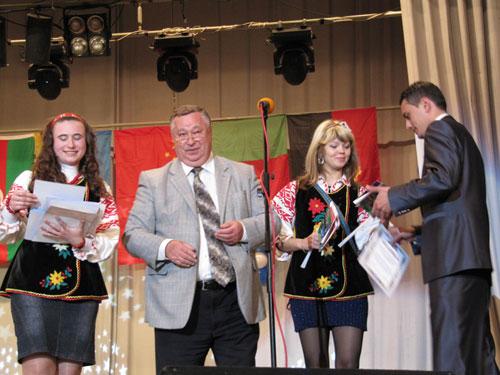 Анатолій Ворона вручив подяки учасникам фестивалю