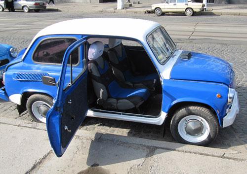 Виставка ретро-автомобілів у Вінниці
