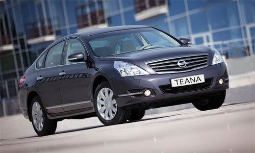 Полноприводная Nissan Teana – диван на зиму