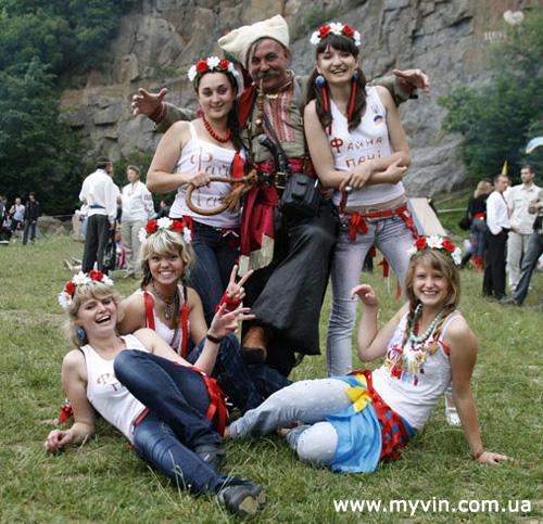 ІІ міжнародний козацький фестиваль звичаєвої культури «Живий вогонь»