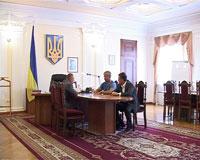 Представники ВАТ «Миронівський хлібопродукт» просять сприяння голови облдержадміністрації