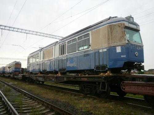 """18 вагонів """"Міраж"""" приїхали у Вінницю з Швейцарії"""