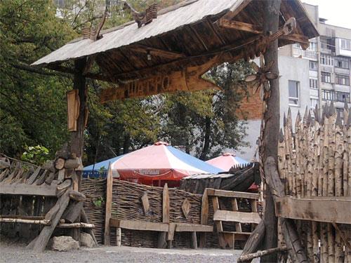 Вчора у Вінниці мінували кафе на Максимовича
