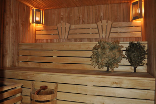 """База отдыха """"Клевое место"""" предлагает Вам отдохнуть в русской баньке на дровах!"""