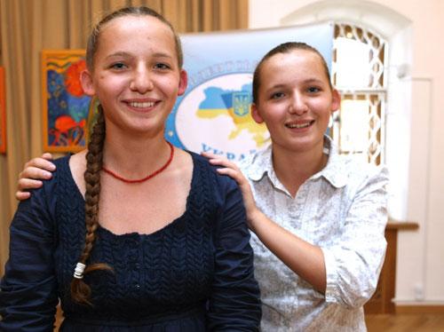 Аня та Настя Кулик