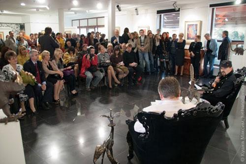 скульптор Олег Пінчук  та художник-графік Сергій Поярков завітали до Вінниці з виставкою