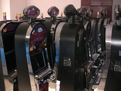 Підпільний  «Лас-Вегас» викрили податківці у Хмільнику