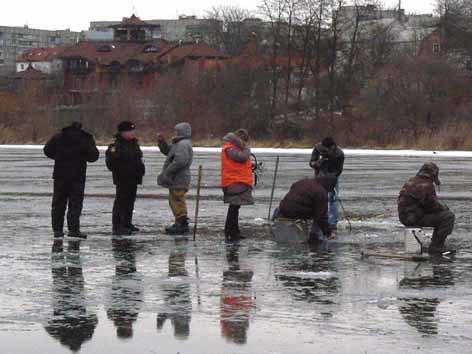 МНСники рятували рибалок на льоду пам'ятками, покищо