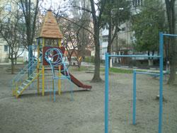 Вінничани активно беруть участь у  впорядкуванні прибудинкових територій спільно із ЖЕКами