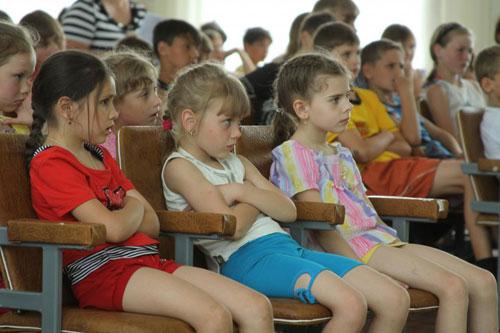"""У День захисту дітей до відомчого дитячого садочку """"Теремок"""" завітали керівники вінницької міліції"""