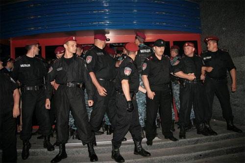 Міліція локалізувала конфлікт на заводі «Nemiroff»