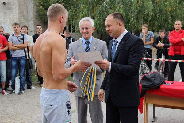 """Новий вид спорту """"Стріт-Воркаут"""" — вперше у Вінниці"""