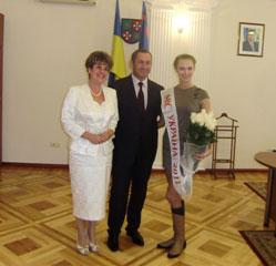 Керівники області вітали «Міс Україна-2011» вінничанку Ярославу Курячу